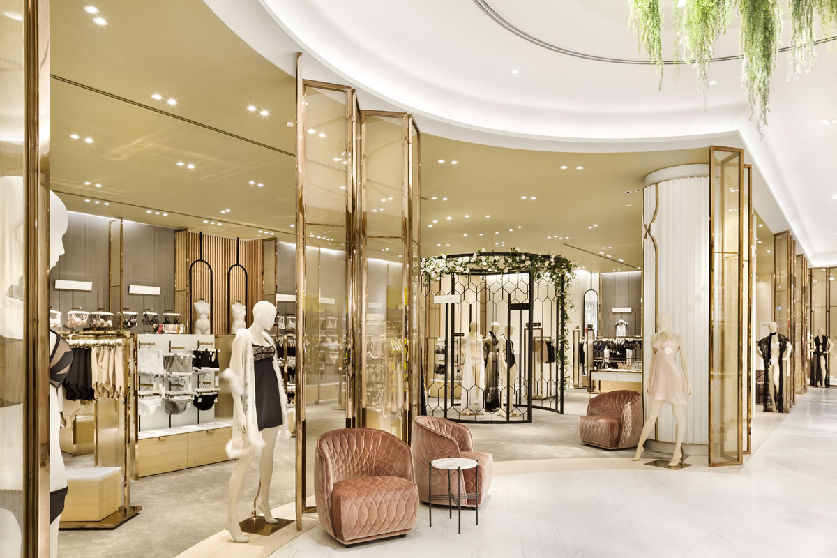 Womenswear retail design within Robinsons department store by HMKM
