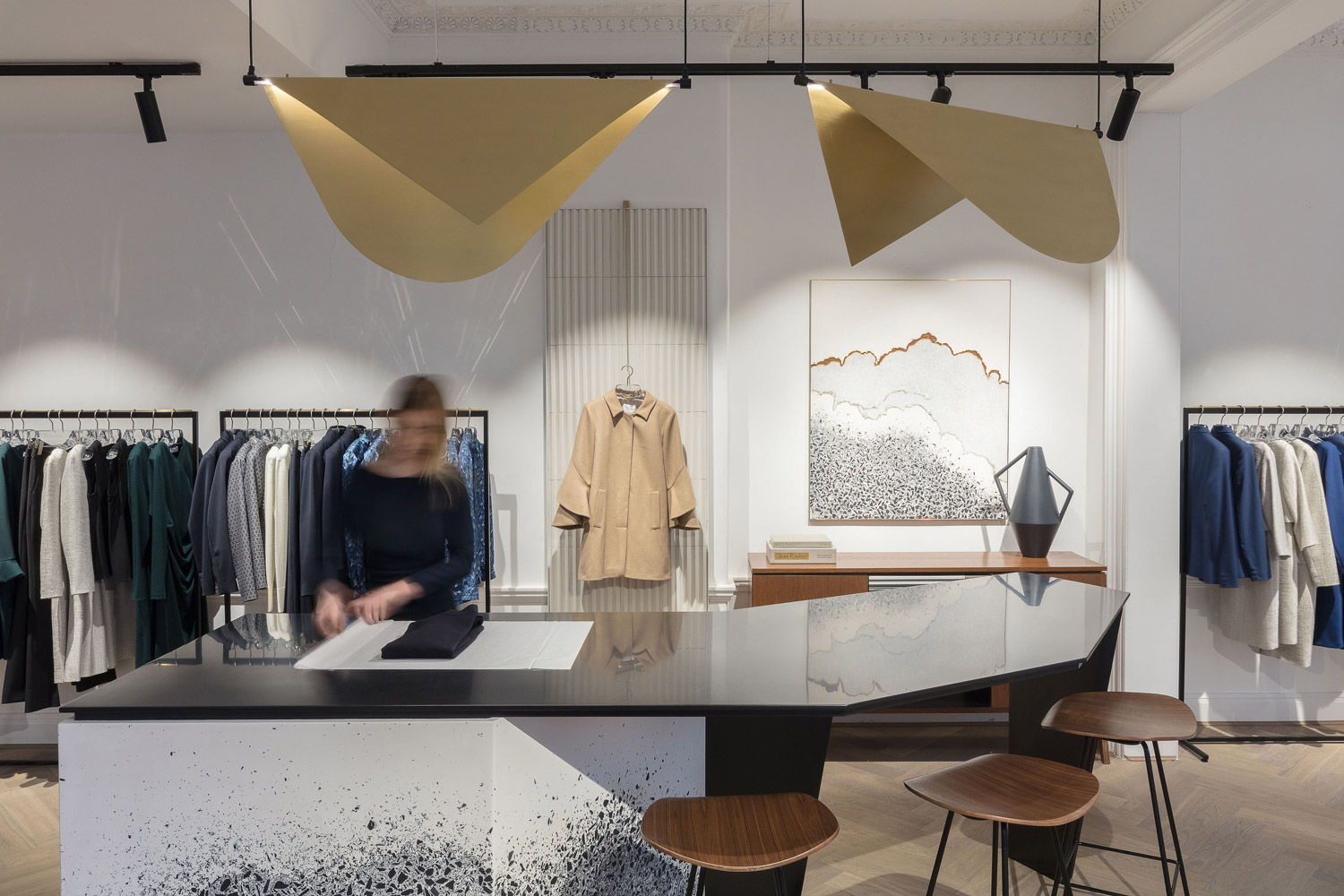 Multi-functional Retail Design for The Fold's First Flagship Store