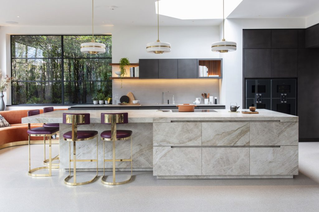 A Modern Kitchen Design with Style and Functionality