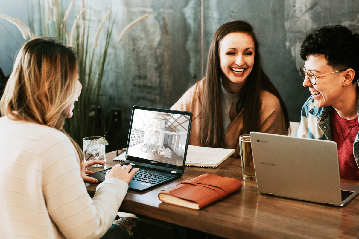 Interior design students learning through interior design online courses for distance learning