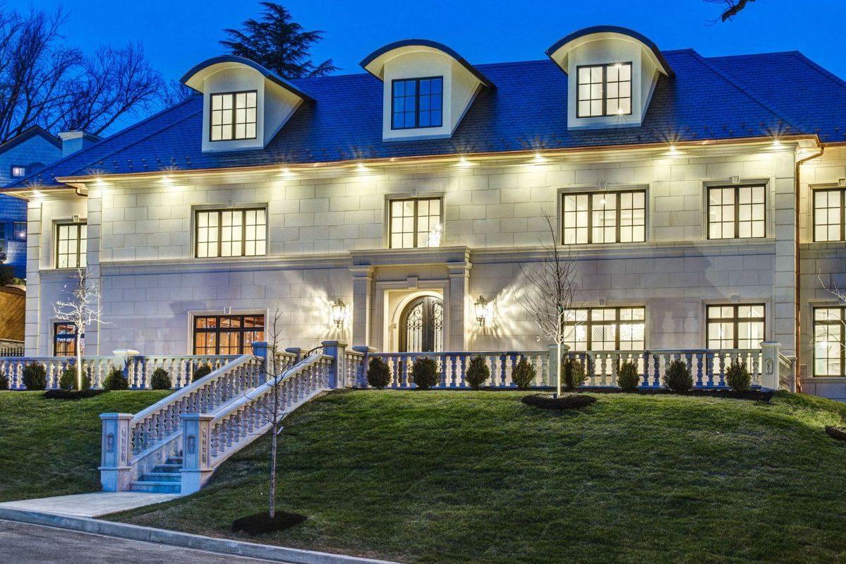 Villa Incorporates Italian Details and Custom Pieces