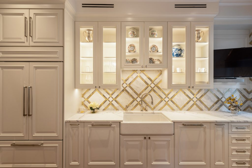 , Chicago Townhouse Refurbishment Exudes Style and Luxury