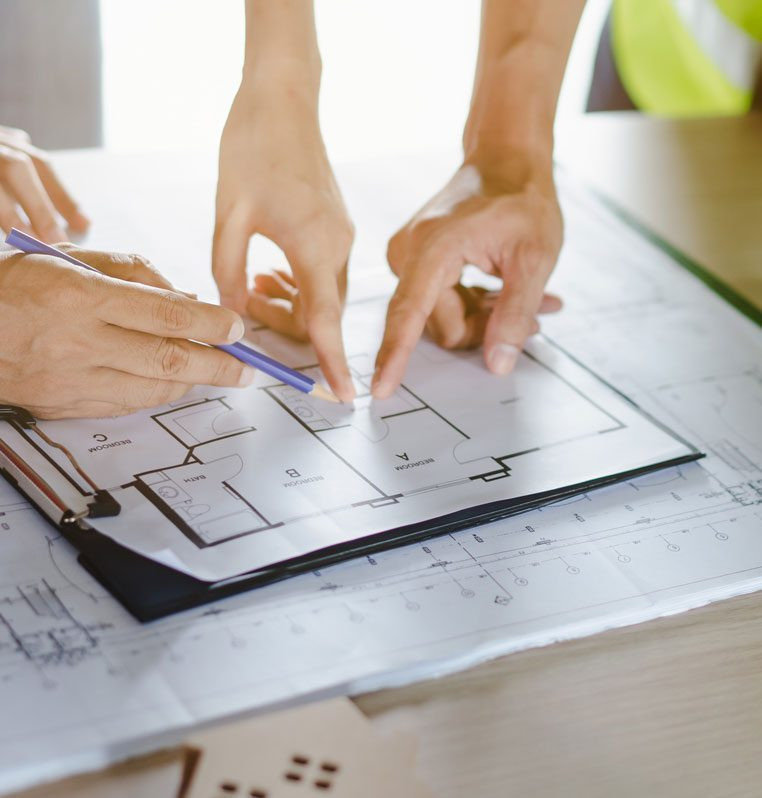 choose a builder, Ask the Expert: How to choose the right building contractor for a project?
