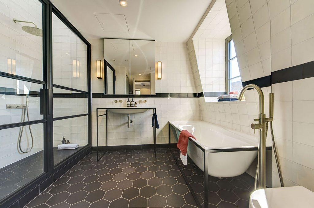 Bathroom design with hexagonal floor tiles