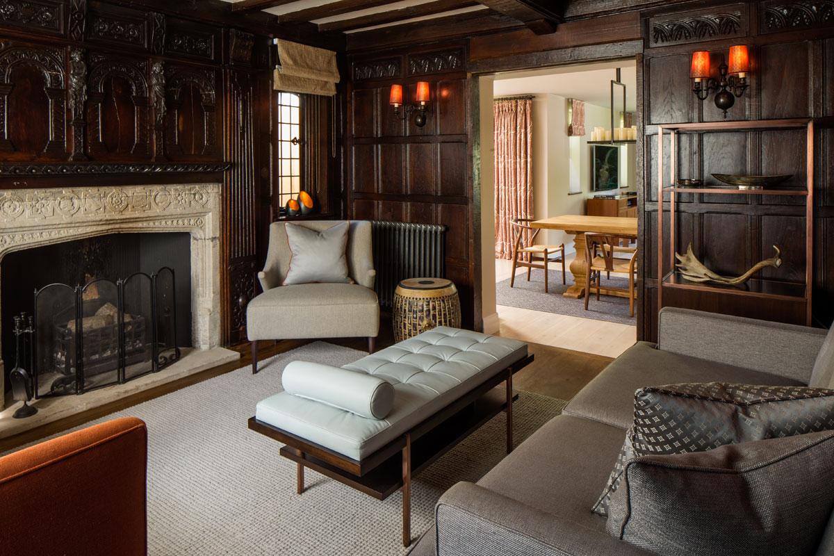 Living room snug interior for Richmond residence by Roselind Wilson