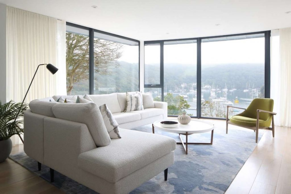 Residential Design Uses Surrounding Harbour as Inspiration