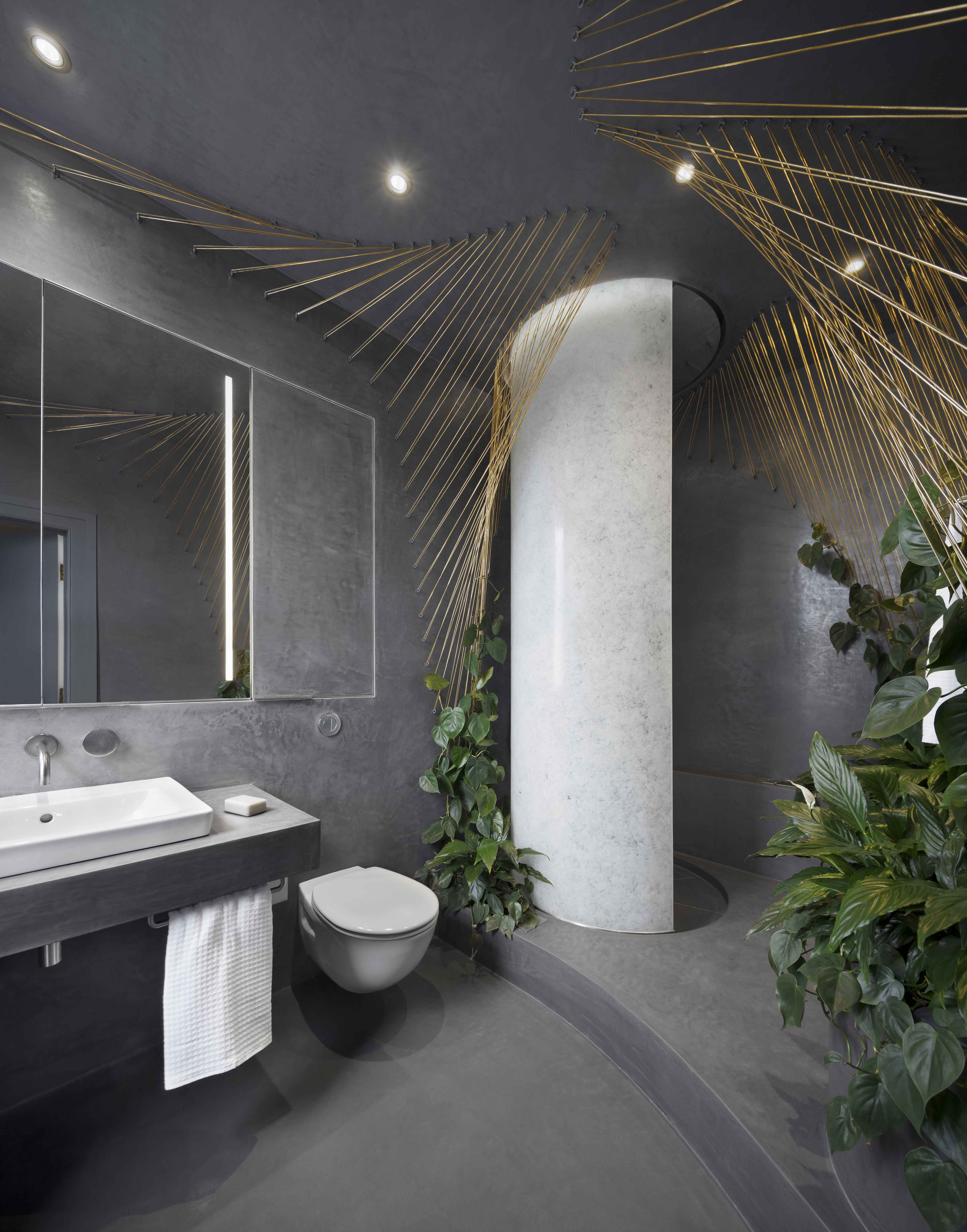 Interior design of outdoor inspired indoor bathroom by Bilska de Beaupuy