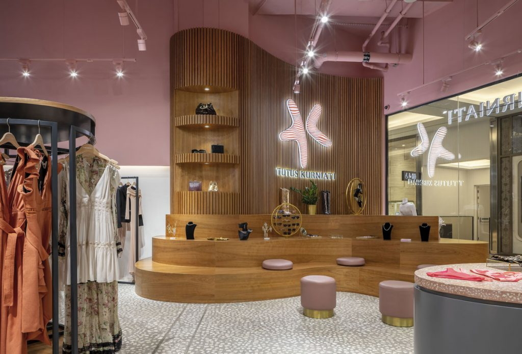 Luxury Retail Design Creates Intimate Shopping Experience