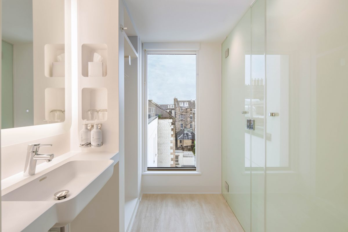Roca selected for contemporary bathrooms at the first YOTEL Edinburgh