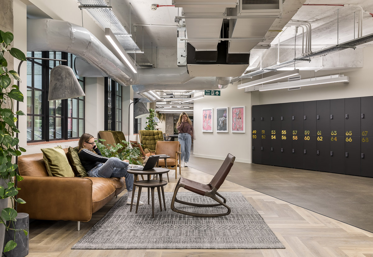 London Head Office Designed to Unite and Inspire Employees